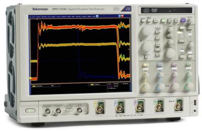 DPO7104C - осциллограф с цифровым люминофором Tektronix (DPO 7104 C)